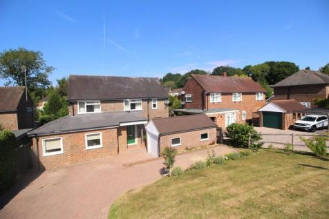 Southlands, East Grinstead, RH19. 3 bedroom house