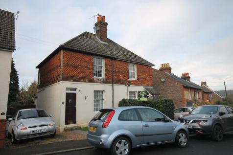 Barfields, Bletchingley, Redhill, RH1. 2 bedroom semi-detached house