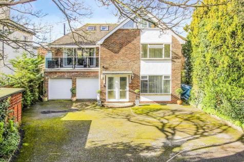 Belsize Road, Worthing, West Sussex, BN11. 5 bedroom apartment