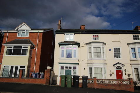 4 Rooms inclusive of bills - Henwick Road. House share
