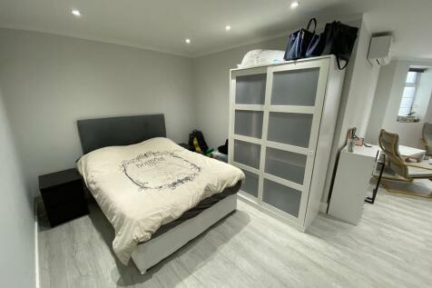 Beechcroft Avenue, London. Studio apartment