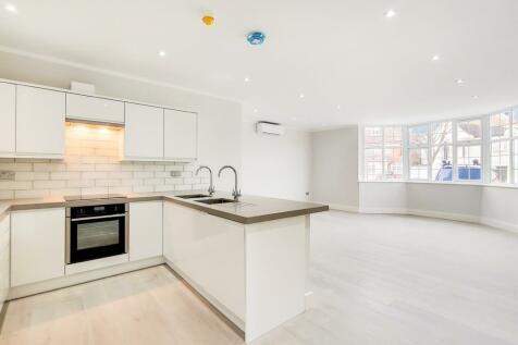 Beechcroft Avenue, London, NW11. 3 bedroom apartment