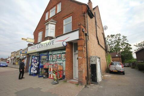 Swakeleys Road Ickenham. 6 bedroom end of terrace house