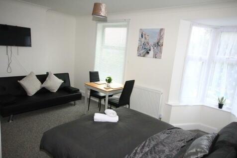 ENSUITE ICKENHAM. 1 bedroom flat share