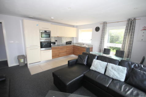Henry Court. 2 bedroom apartment
