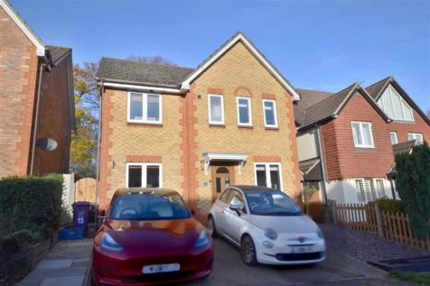 Windermere Close, Great Ashby, Stevenage, Herts. 4 bedroom detached house for sale