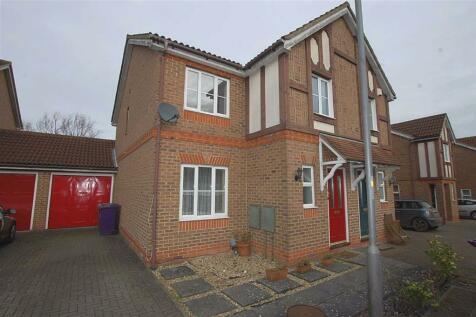 Serpentine Close, Stevenage, Herts. 3 bedroom semi-detached house