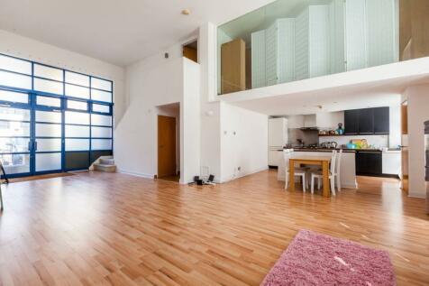 City Pavillion, Shoreditch, London, E2. 3 bedroom flat for sale