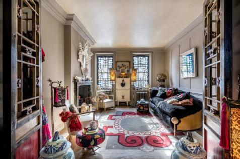 Mile End Road, Stepney, London, E1. 3 bedroom house for sale