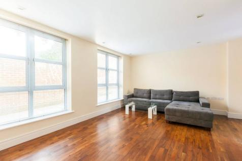 Elizabeth Mews, Bethnal Green, London, E2. 2 bedroom flat