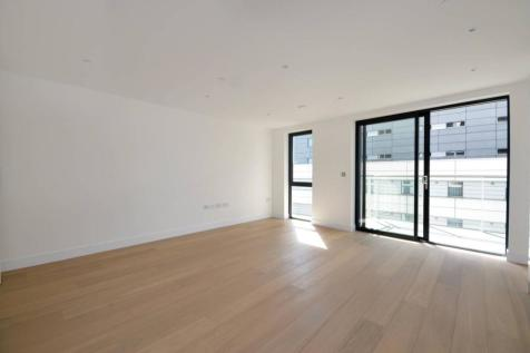 Commercial Road, Tower Hamlets, London, E1. Studio flat
