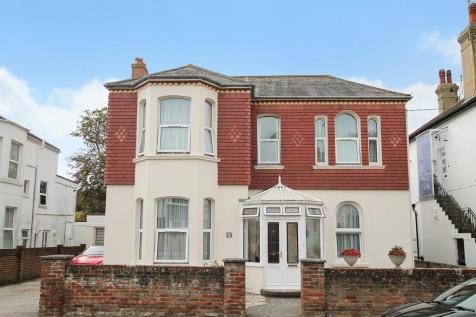 Madeira Avenue, Worthing BN11 2AX. 6 bedroom detached house