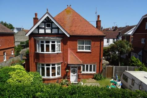 Manor Road, Worthing BN11 3RT. 5 bedroom detached house