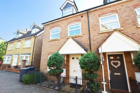 Harewelle Way, Harrold, MK43. 4 bedroom town house