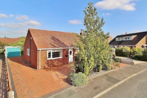 Cloverfield, Penwortham, Preston. 2 bedroom bungalow