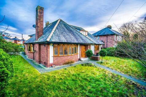 Liverpool Road, Penwortham, Preston. 4 bedroom bungalow for sale