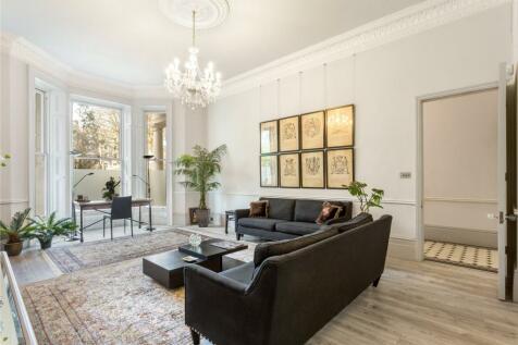 Courtfield Gardens, London, SW5. 2 bedroom flat