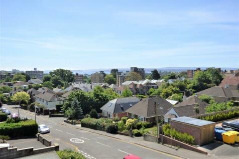 Birds Hill Road, Poole. 2 bedroom apartment