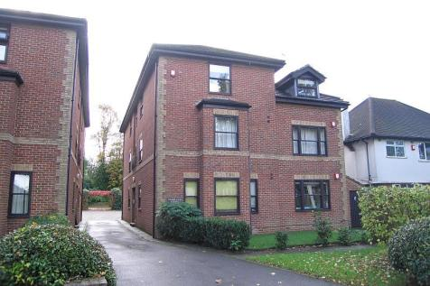 Woodland Court, Grove Road, Sutton. 2 bedroom flat