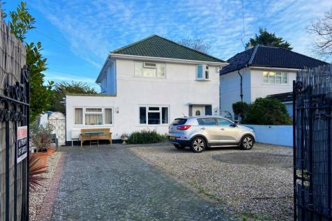 Victoria Road, Worthing, West Sussex, BN11. 5 bedroom detached house for sale