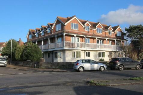 Penhurst Court, Grove Road, BN14. 2 bedroom flat