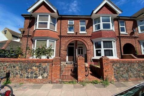 Charlecote Road, BN11. Studio flat