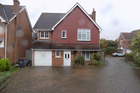 Tates Way, Stevenage, Hertfordshire, SG1. 4 bedroom detached house