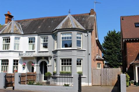 Beaconsfield Road, St. Albans. 5 bedroom semi-detached house for sale