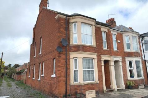 King Edward Road, Abington, Northampton NN1 5LY. 4 bedroom end of terrace house for sale