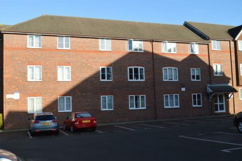 Belmont Close, Upper Priory Street, Semilong, Northampton NN1 2TU. 1 bedroom flat