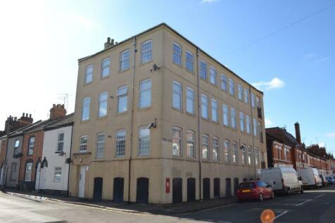 Shakespeare Road, The Mounts, Northampton NN1 3QG. Studio flat