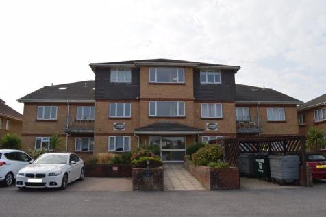 Anchor Court, Hayling Island.. 2 bedroom penthouse