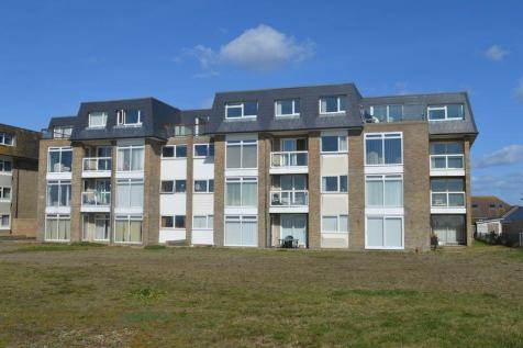 Sheerwater Court, Hayling Island.. 2 bedroom flat