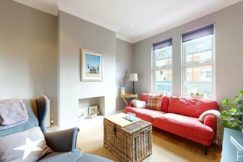 Richmond Road, Twickenham. 2 bedroom flat