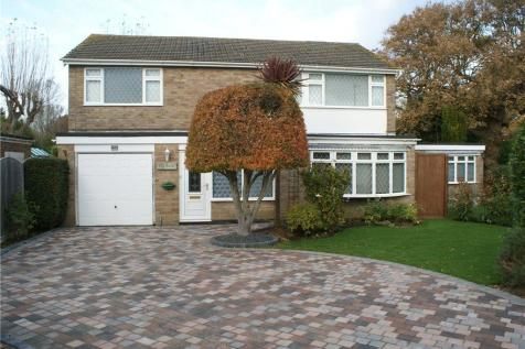 Bacon Lane, Hayling Island, Hampshire. 5 bedroom house for sale