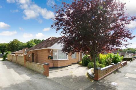 Glenwood Close, Old Town, Swindon. 2 bedroom semi-detached bungalow for sale