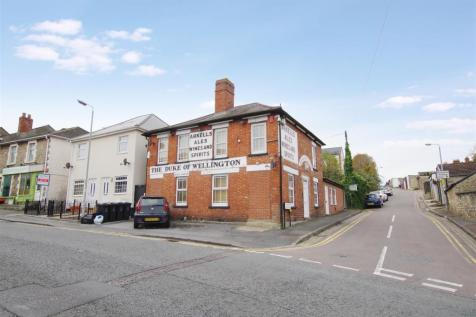 Savernake Street, Town Centre, Swindon. 1 bedroom maisonette