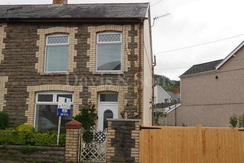 John Street, Cwmcarn, Newport. NP11, South Wales - End of Terrace / 2 bedroom end of terrace house for sale / £127,500