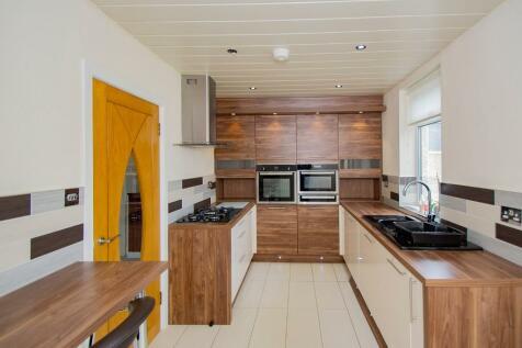 Munro Avenue, Kilmarnock, Ayrshire, KA1. 2 bedroom semi-detached house for sale