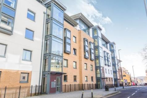 City Centre, Deanery Road, BS1 5QH. 1 bedroom apartment