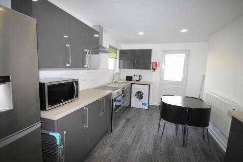 37b Prospect Street, Plymouth, Devon, PL4. 4 bedroom terraced house