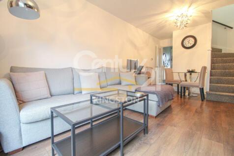 Cheltenham Close, New Malden, Surrey, KT3. 1 bedroom terraced house