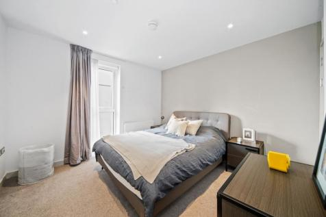 Raglan House. 2 bedroom apartment