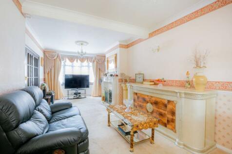 Gordon Road, Ilford, IG1. 3 bedroom terraced house