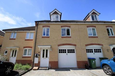 Melville Gardens, Sarisbury Green. 3 bedroom terraced house