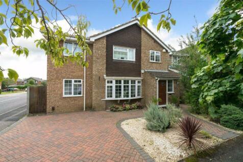 Aldwickbury Crescent, Harpenden, Hertfordshire. 4 bedroom detached house for sale