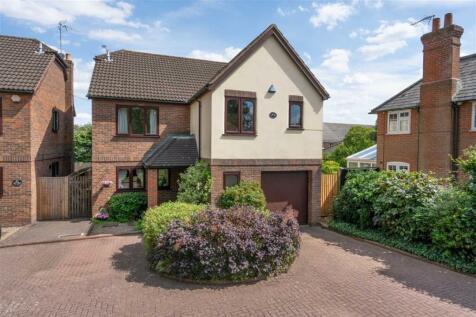 The Doves, St. Albans, Hertfordshire. 4 bedroom detached house for sale