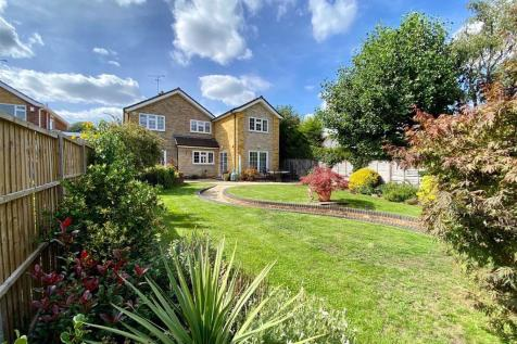 Manor Drive, St Albans, Hertfordshire. 5 bedroom detached house for sale