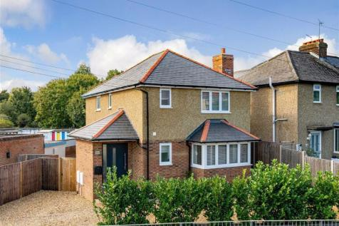 Cottonmill Crescent, St. Albans, Hertfordshire. 3 bedroom detached house for sale