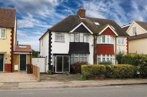 Prospect Road, St. Albans, Hertfordshire. 3 bedroom semi-detached house for sale